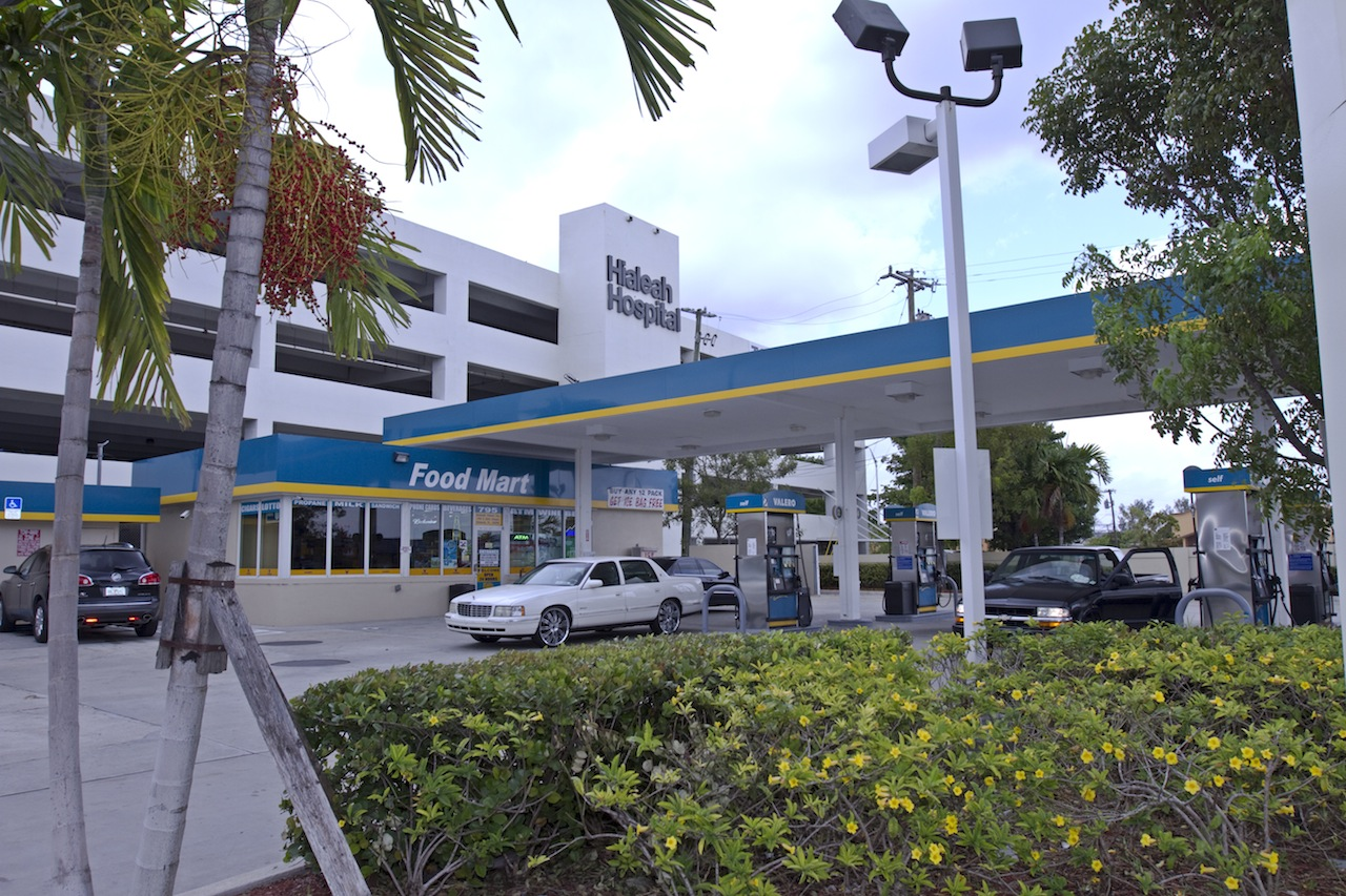 Valero Gas Station Hialeah